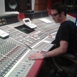 Studios-de-la-Chine-controlRoom006